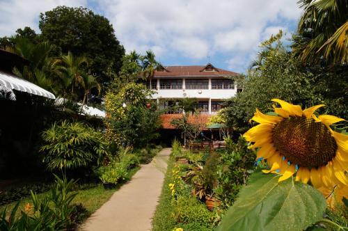 Thakhek Travel Lodge