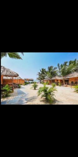 . Blue Corner Beach Huts & Restaurant