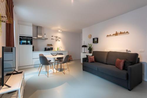 Apartment in between Old Centre & Marina of Ghent, Ferienwohnung in Gent