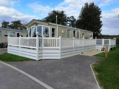 Caravan For Rent At Tattershall Holiday Park, Tattershall