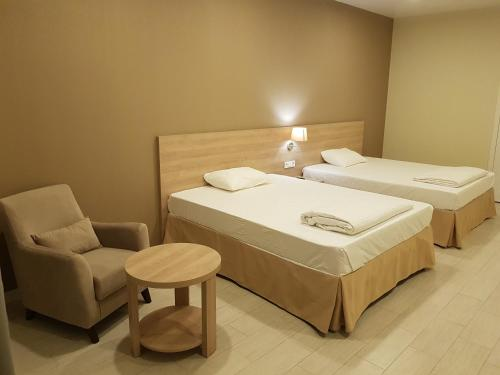 . Hotel 66