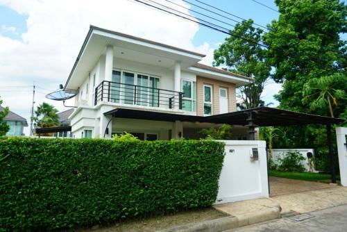 Garden Home near Impact Muang thong and Donmuang Garden Home near Impact Muang thong and Donmuang