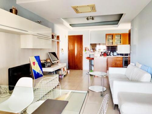 Artistic Apartment