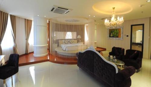 . Viet Uc Hotel