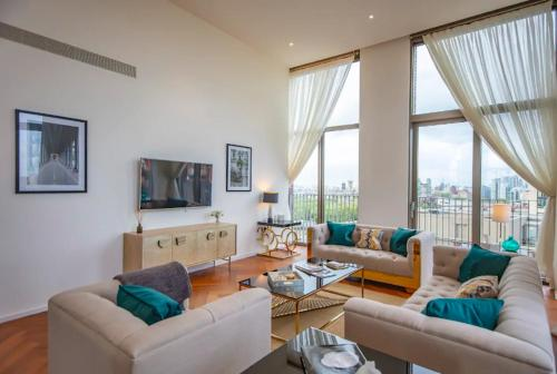 Luxurious 3 Bedroom Penthouse With Roof Terrace