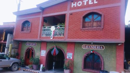 . Hotel Económico
