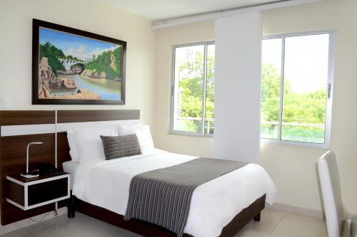 . Hotel Mayales Plaza