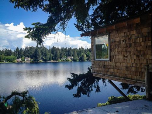 Cottage Lake Bed and Breakfast - Accommodation - Woodinville