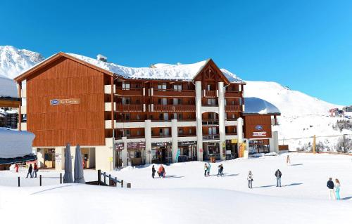 . Skissim Select - Résidence Le Cervin by Travelski