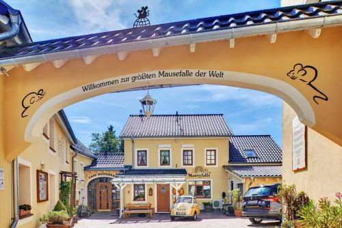 __{offers.Best_flights}__ Hotel Am Eifelsteig