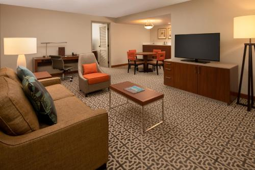 DoubleTree Suites by Hilton Seattle Airport/Southcenter - Seattle, WA WA 98188