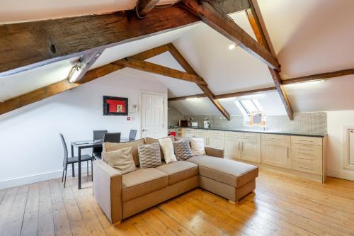 . 2 bedroom newcastle city centre apartment