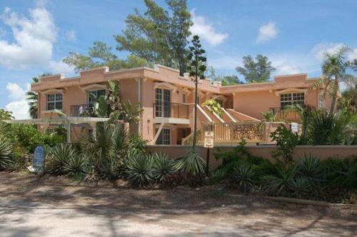. Alamanda Villa on Holmes Beach