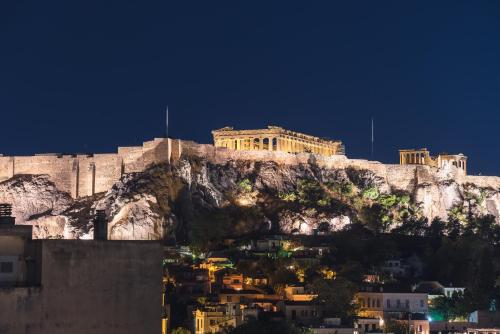 A Room with a View, Pension in Athen