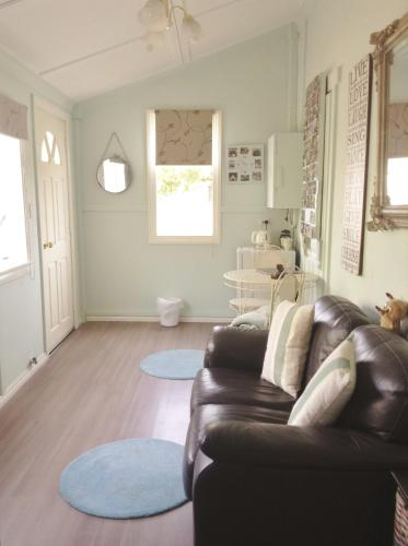 Must Love Dogs B&B & Self Contained Cottage photo 3