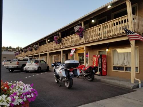 . The Whiskey Inn - Pendleton