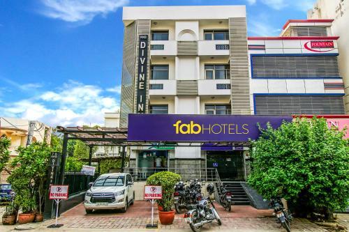 FabHotel Divine Inn