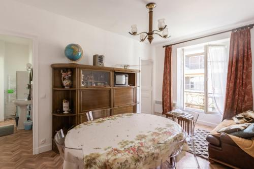 Vintage and calm flat in a typical building at the doors of Paris - Welkeys - Location saisonnière - Vincennes
