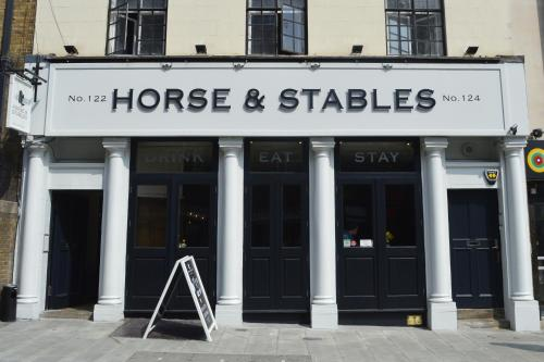 The Horse & Stables picture 1 of 24
