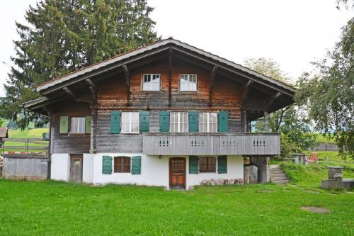 Traditionelles Chalet Schärmtanne - Aeschi
