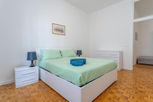 . Ricasoli Garden Modern Apartment