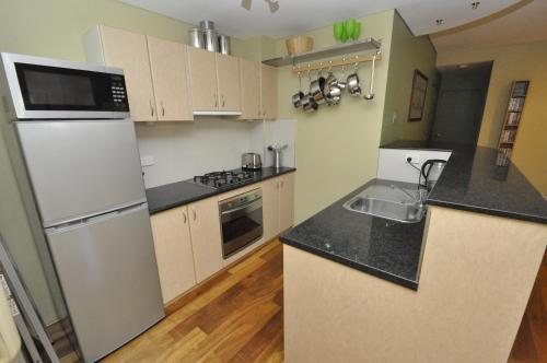 Glebe Self-Contained Modern One-Bedroom Apartment (47ROS) - image 2