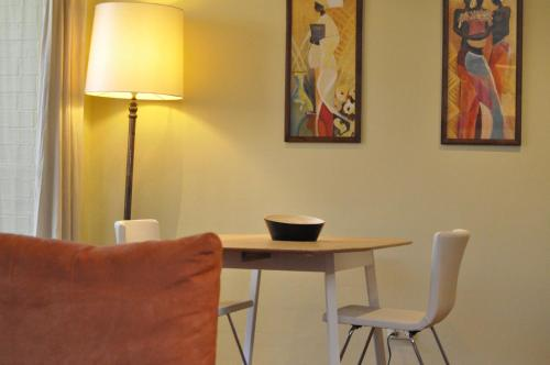 Glebe Self-Contained Modern One-Bedroom Apartment (47ROS) - image 3
