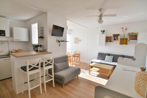 Studio Carnon loggia au soleil et la mer à 2 pas - Apartment - Mauguio