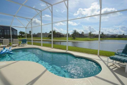 85961 3 Bedroom Pool Home Eagle Pointe Kissimmee Home - image 1
