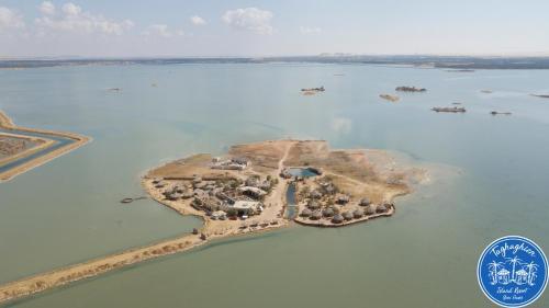 . Taghaghien Island Resort
