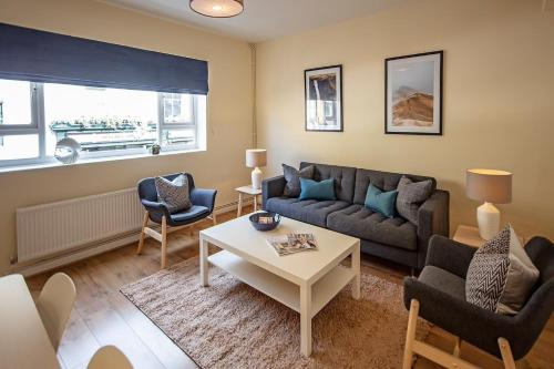 Bright & Light South Kensington 2 Bed Apartment