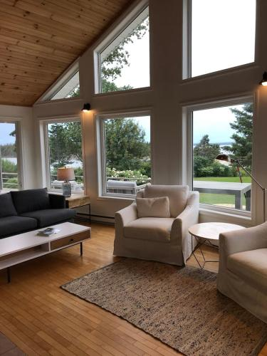 Private Waterfront Luxury on the Bras D'Or Lake - Chalet - Sydney Forks