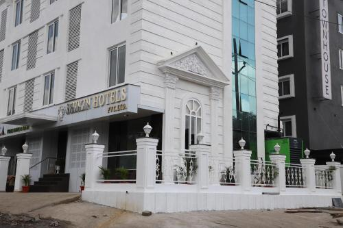 Shikin Hotels (Close to Palm Beach Road)