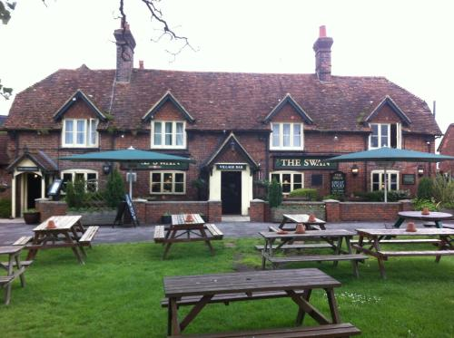 The Swan at Thatcham by Marston's Inns (with B&B)