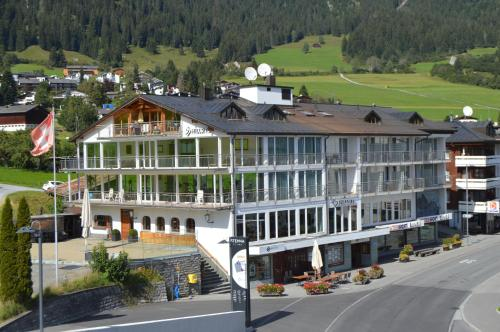 . Hillsite Hotel Flims