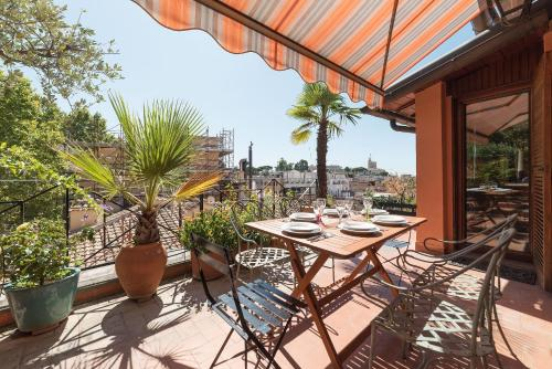 The Spanish Steps Grand Penthouse