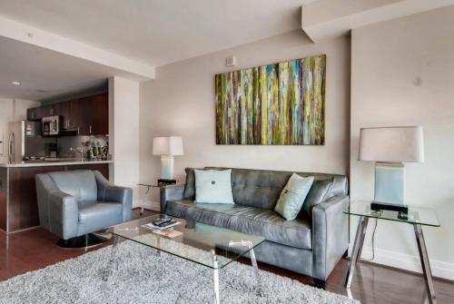 Bluebird Suites on Washington Circle - Apartment - Washington