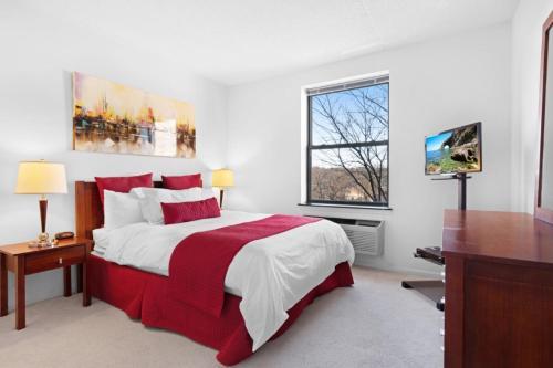 . Bluebird Suites near Morristown Green