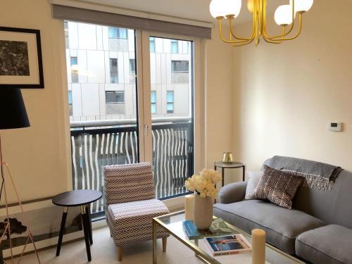 Picture of Amazing Chelsea Flat In Luxury Development