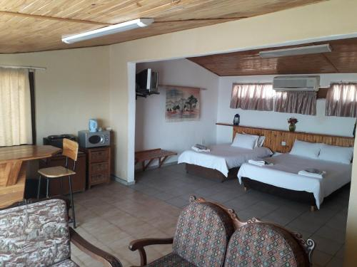 Lentswe Lodge, Serowe