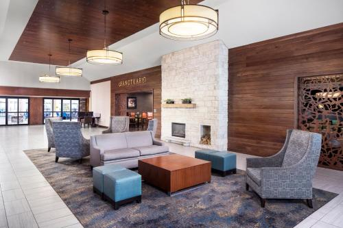 . DoubleTree by Hilton Cleveland – Westlake