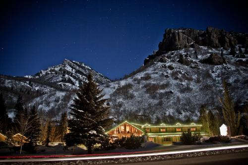 Alaskan Inn And Spa