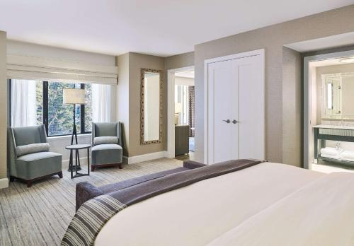 Grand Suite King with Mountain View