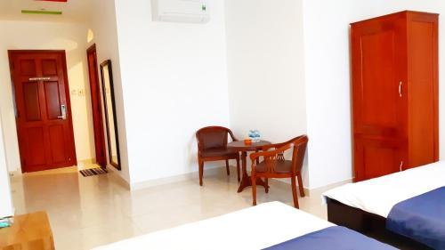 Tom Hum Palace, Cam Ranh