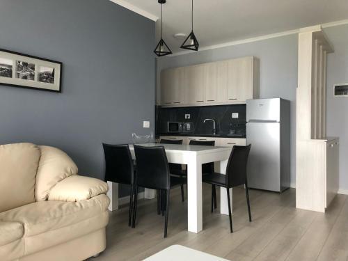 Llakmani Apartment