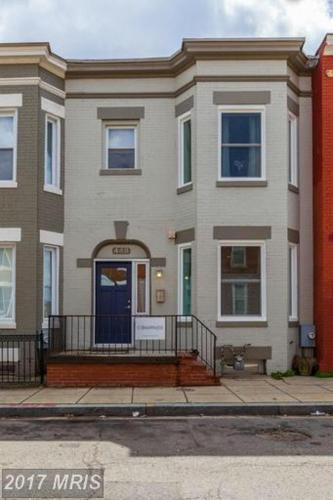 Більше про Beautiful historic row house in Columbia Heights