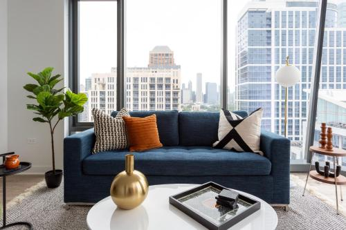 Domio I South Loop I Hip 2 BR + Spa and Gym Main image 1