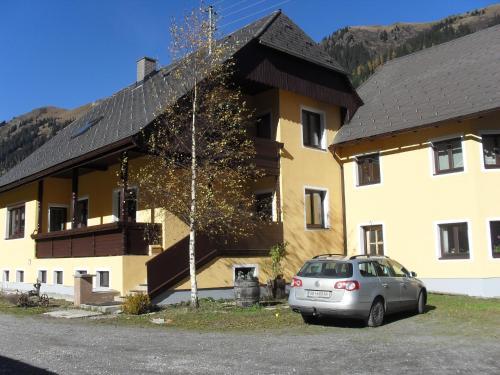 Ferienwohnungen Danglmaier - Stallbauer - Hotel - Pusterwald