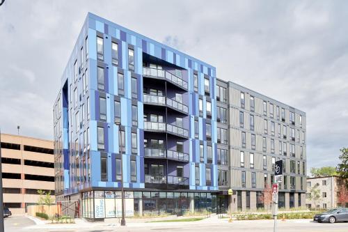 Sonder — Luna Apartments