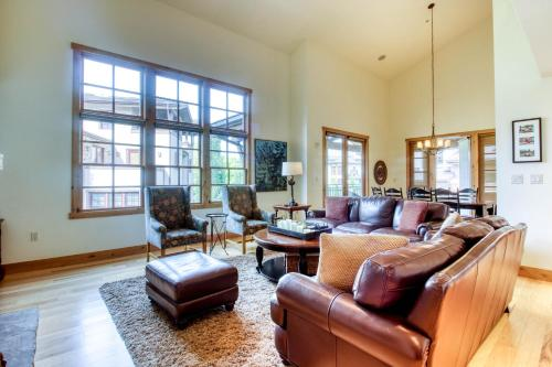 . Elkhorn Springs Retreat with Baldy Views